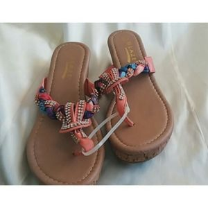 NWOT Glaze ~ Platform sandals